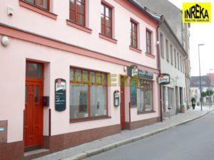 Pronájem restaurace s venkovní terasou a zahradou v Soběslavi