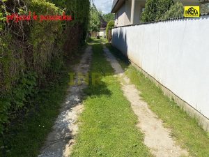 pozemek s chatou 673 Soběslav 12