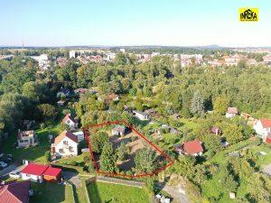Stavební pozemek s chatou v Soběslavi